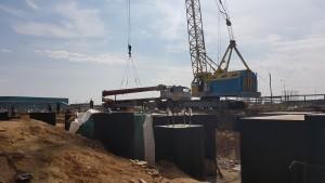 Выгрузка металлоконструкций на площадке БоАЗа
