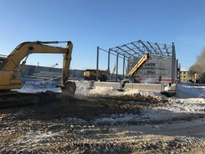 Монтаж металлоконструкций второго здания, устройство котлована для емкостей на объекте складской комплекс Обь