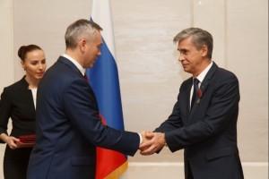 Губернатор Новосибирской области Андрей Травников и директор ГК Сибпродмонтаж Сергей Ковальский